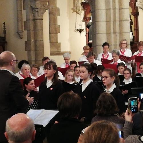 La pré-maîtrise a chanté avec la Chorale des Embruns à Pommeret