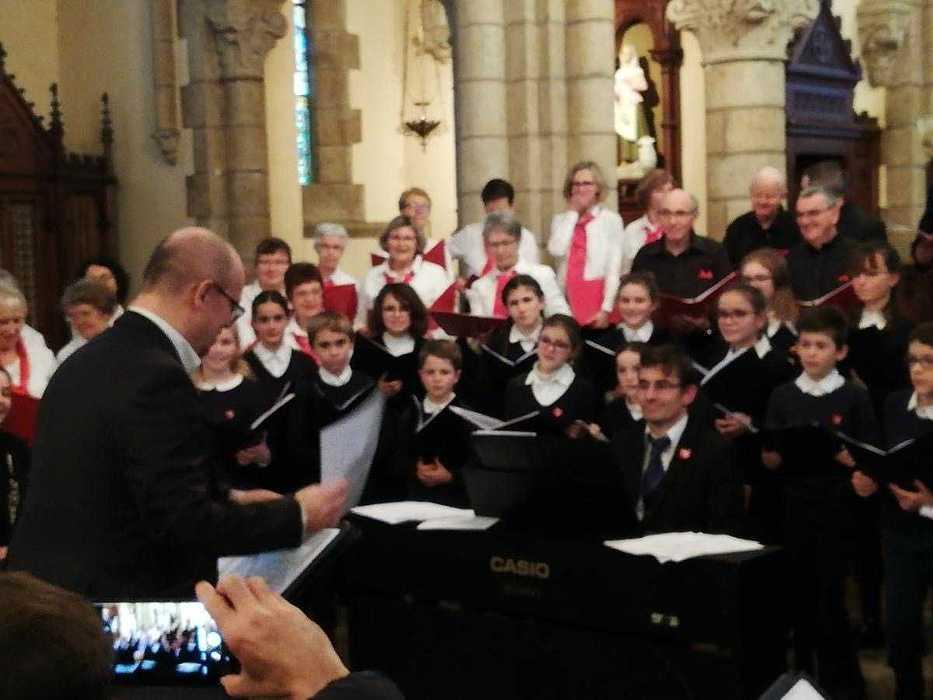 La pré-maîtrise a chanté avec la Chorale des Embruns à Pommeret c3